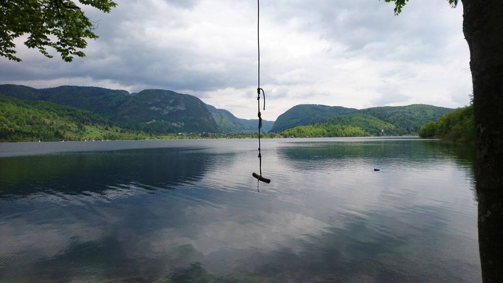 An image of Lake Bohinjsko in Slovenia.